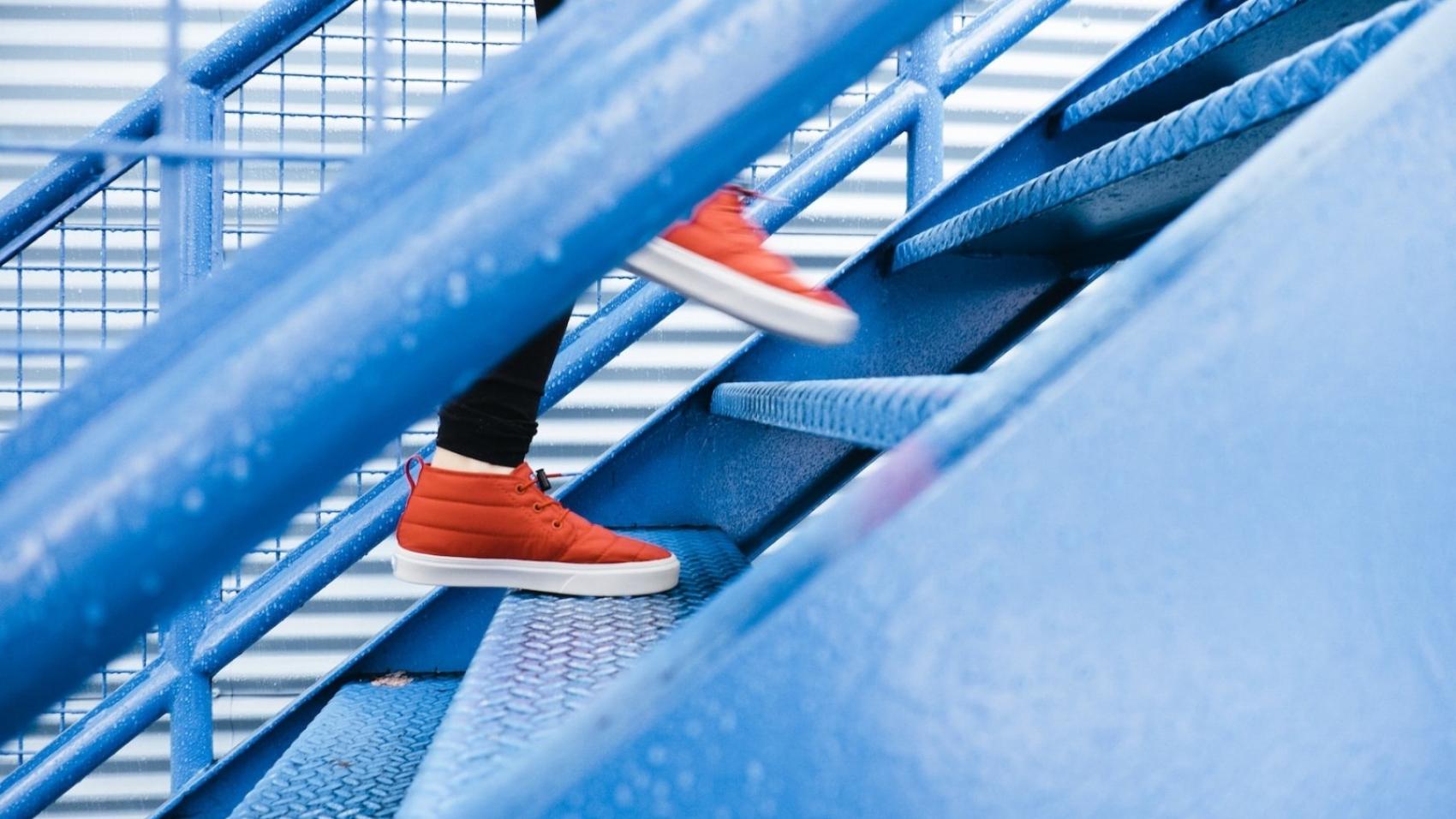 Лестница Ханта: 5 ступеней завоевания клиентов